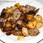 Куриная печень с картошкой и грибами. Рецепт с фото