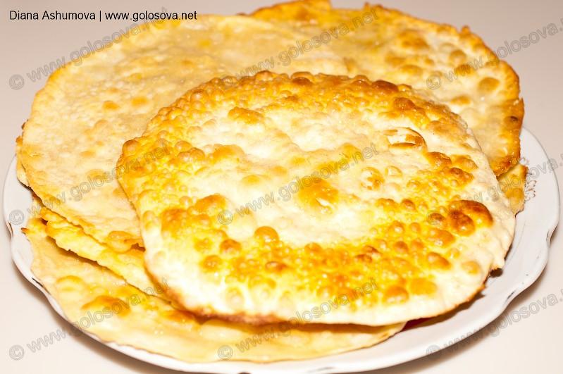 Лепёшки на воде и муке и яйце на сковороде рецепт пошагово