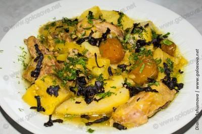 летнее блюдо из курицы тушеной с овощами