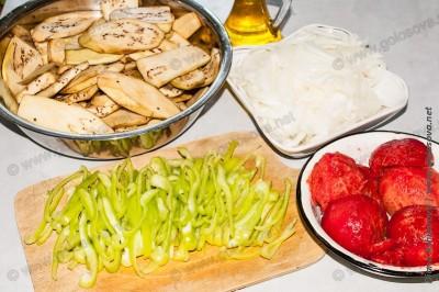 продукты на соте с баклажанами
