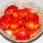 Картошка в духовке с томатной пастой. Фото.