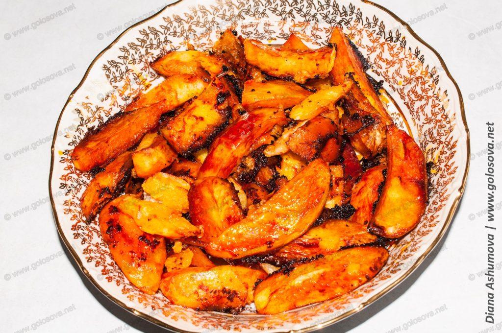 картошка в томатном соусе в духовке