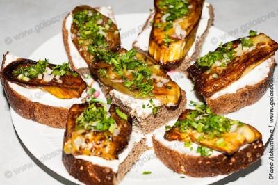 бутербродики с жареными баклажанами