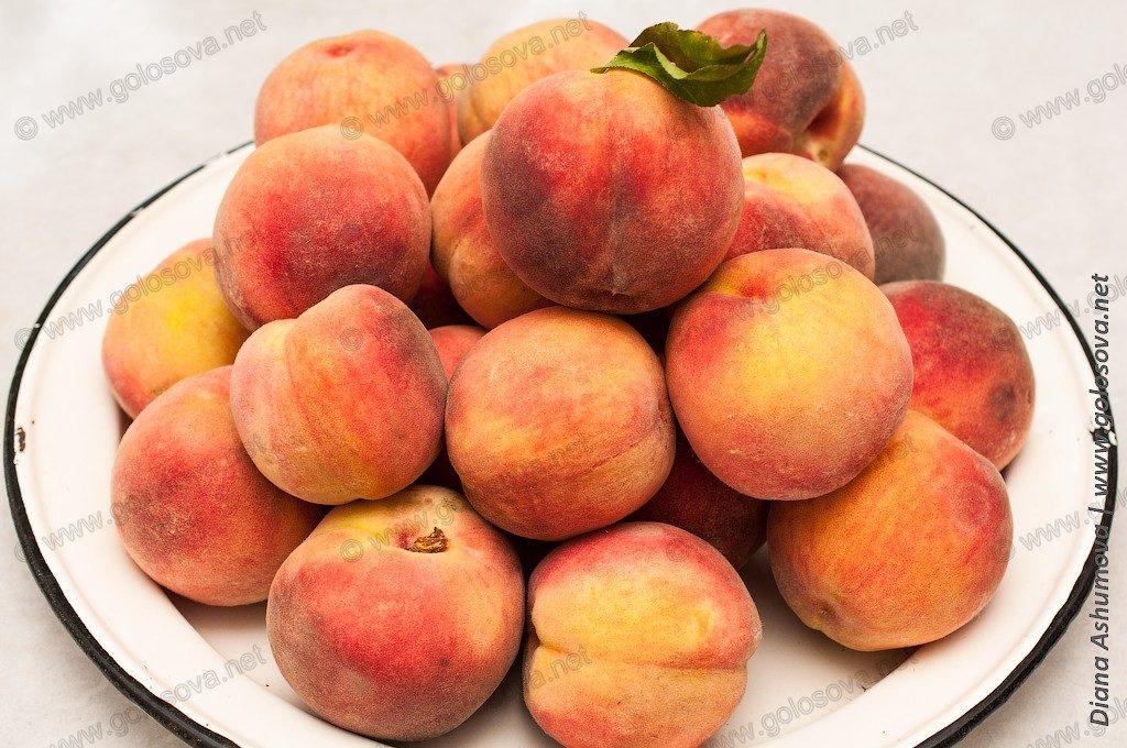 фото персиков