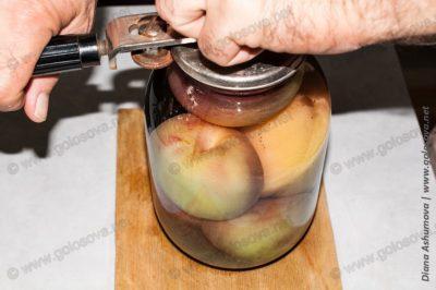 закатываем персиковый компот на зиму