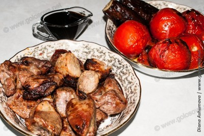 шашлык из баранины с помидорами, баклажанами и наршарабом