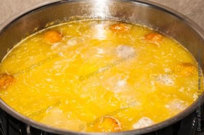 приготовление супа с фрикадельками