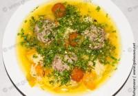 суп с фрикадельками и шафраном