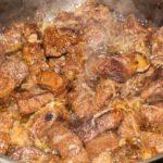 Тушеное мясо с луком. Рецепт  с фото.