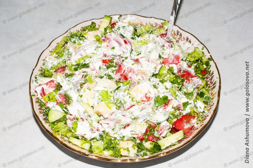 быстрый салат с яйцами и помидорами