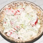 Салат с яйцами и помидорами. Быстрый и вкусный салат. Рецепт с фото.