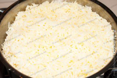 рассыпчатый рис в кастрюле
