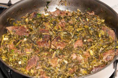 фото тушеной говядины с зеленью
