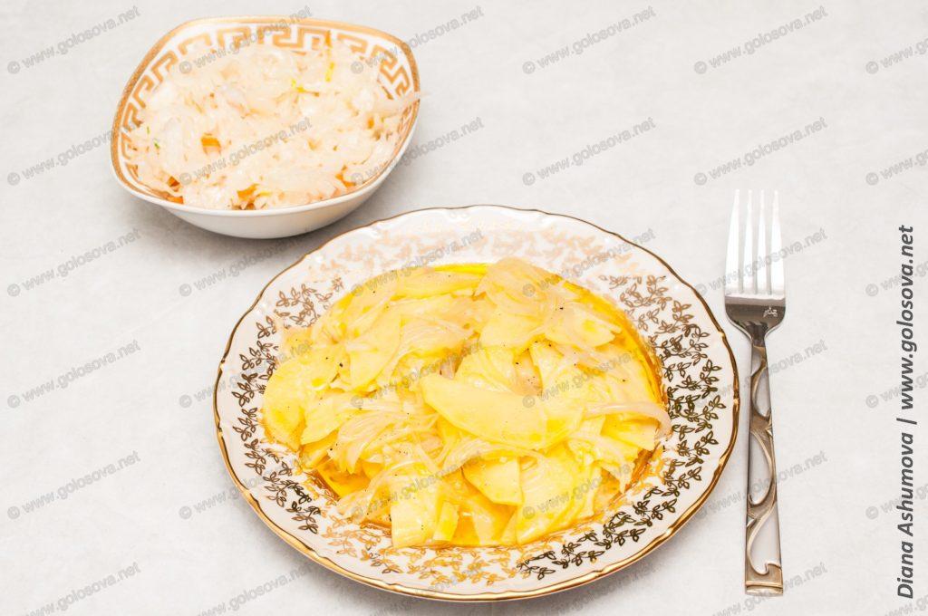 вкусная тушеная картошка с луком и маслом