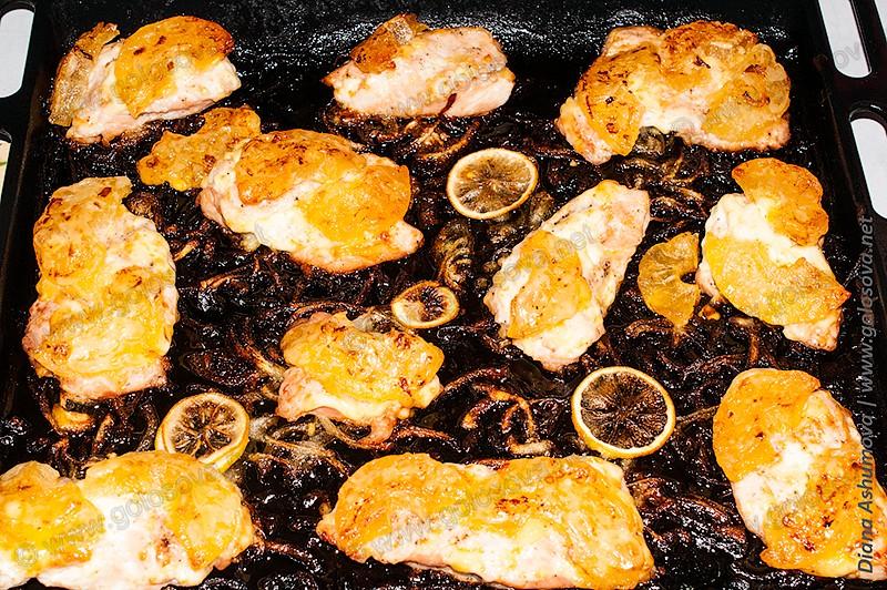 филе индейки с ананасами запеченная в духовке