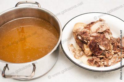 говяжий бульон и отварная говядина