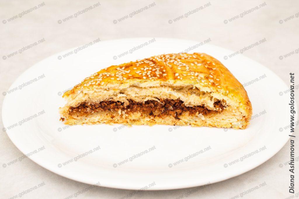 пирог с фаршем жареным на сковороде
