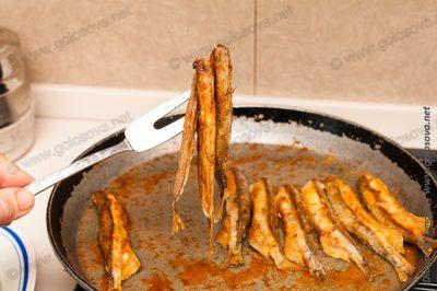 рецепт жареной мойвы с корочкой на сковороде