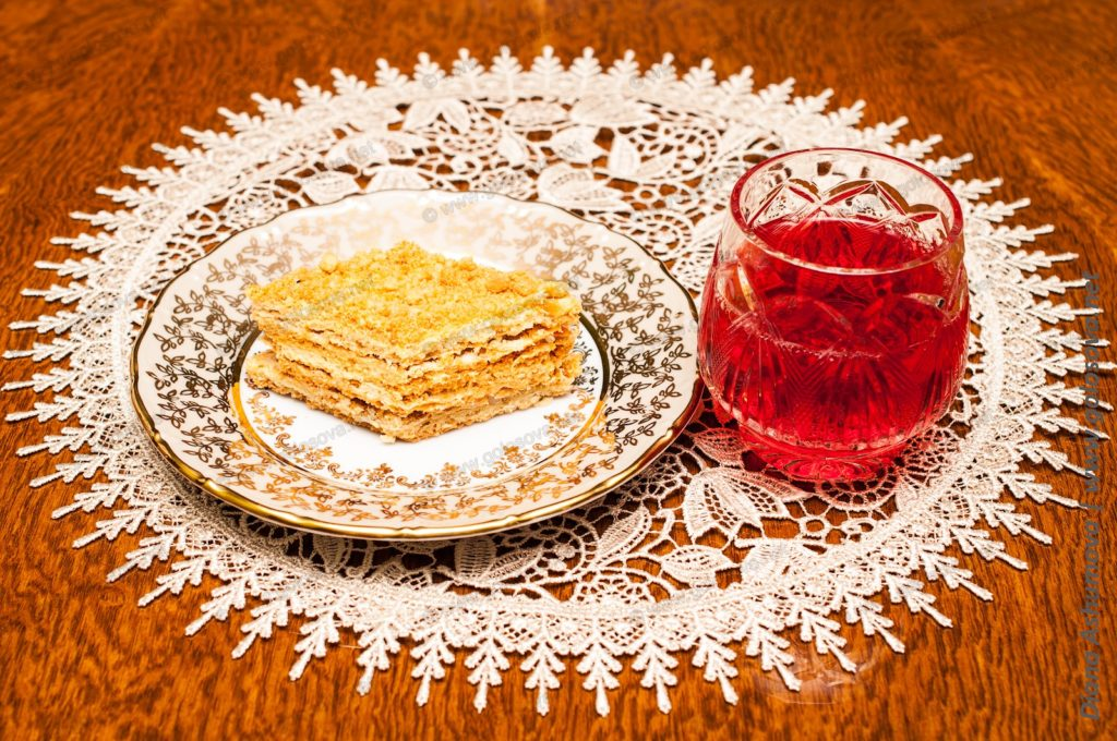 компот из алычи и песочный пирог