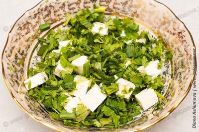 зелень и сыр брынза