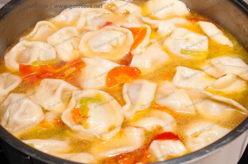 фото супа с пельменями