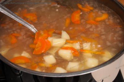 уха с картошкой и рисом