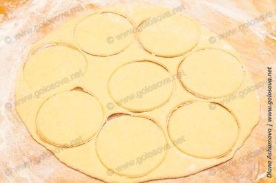 круги из теста для вареников с вишней