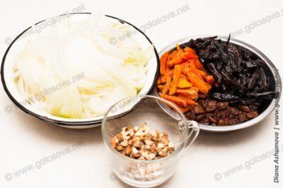 измельченные сухофрукты и орехи