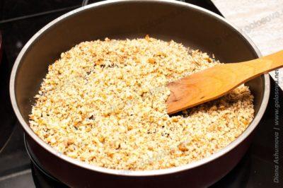 жарим орехи на сковороде
