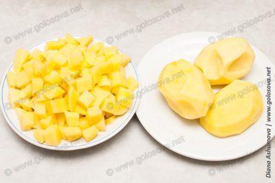 нарезанная и целая картошка