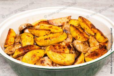 обжареная картошка в утятнице