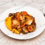 Куриное филе с айвой в духовке
