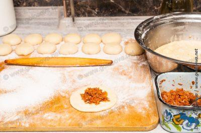 пирожки с капустой на сухих дрожжах