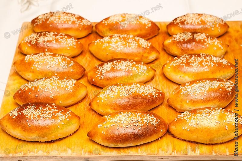 печеные пирожки с печенкой