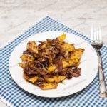 Тушеная капуста с грибами и картошкой