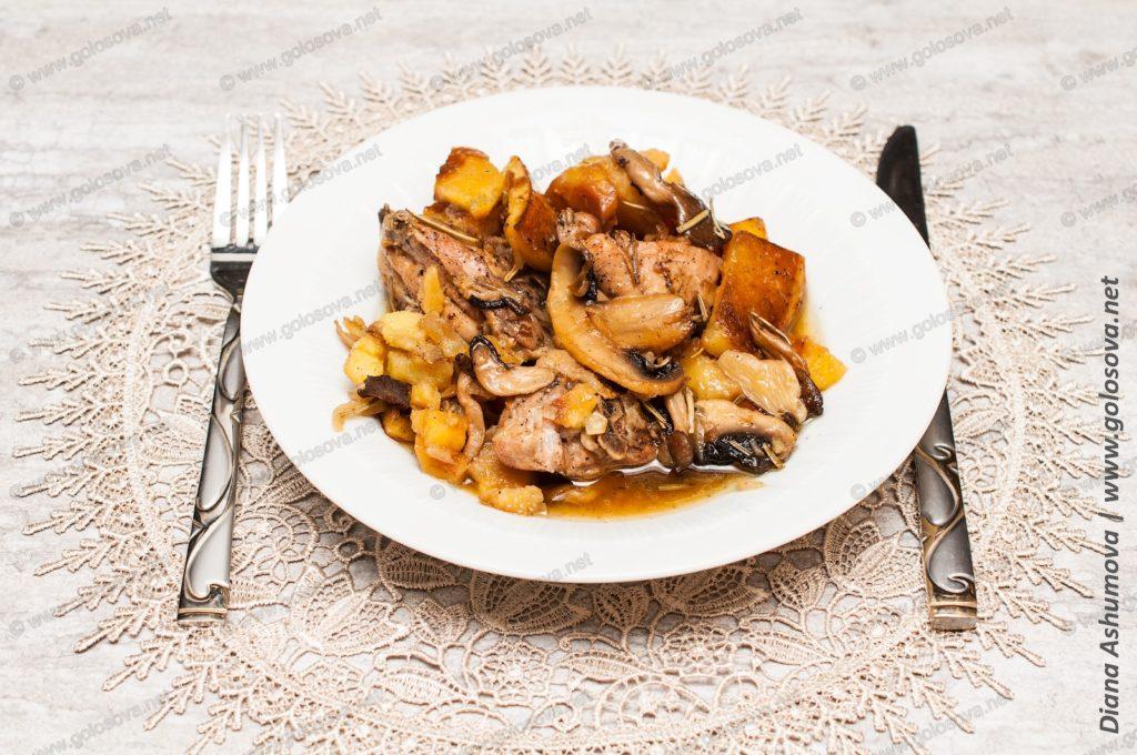 жаркое из курицы с картошкой в горшочках