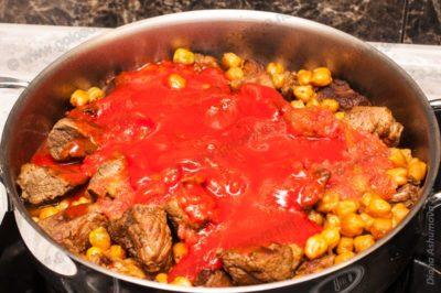 баранина с нутом и томатным соком