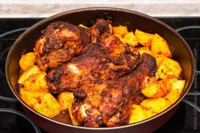 плечо индейки в духовке с картошкой