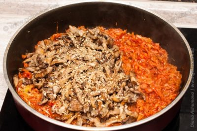 тушеная капуста с грибами со специями