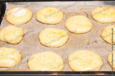 булочки с начинкой из штрейзеля