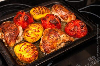 запечь куриные бедра в духовке