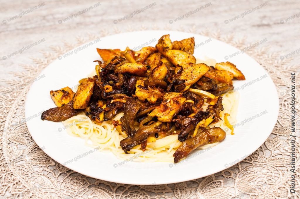 макароны с куриным филе и грибами