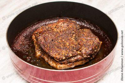 приготовить свиную грудинку в духовке в фольге