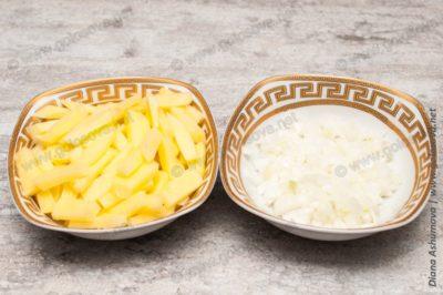картофель и лук для супа