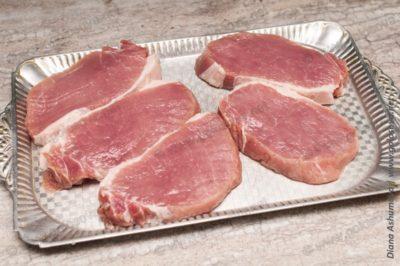 свиные стейки из корейки