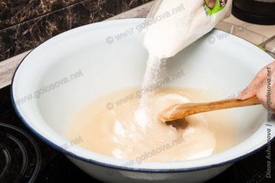 сахарный песок с водой