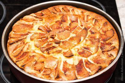 яблочная шарлотка с корицей в духовке