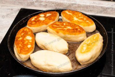 пирожки из свежей капусты жареные на сковороде
