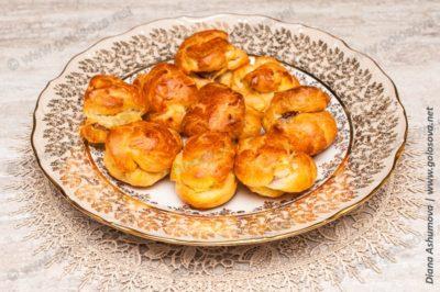 закусочные профитроли с начинкой из печени