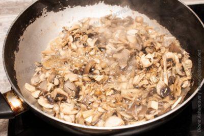 грибы кипят